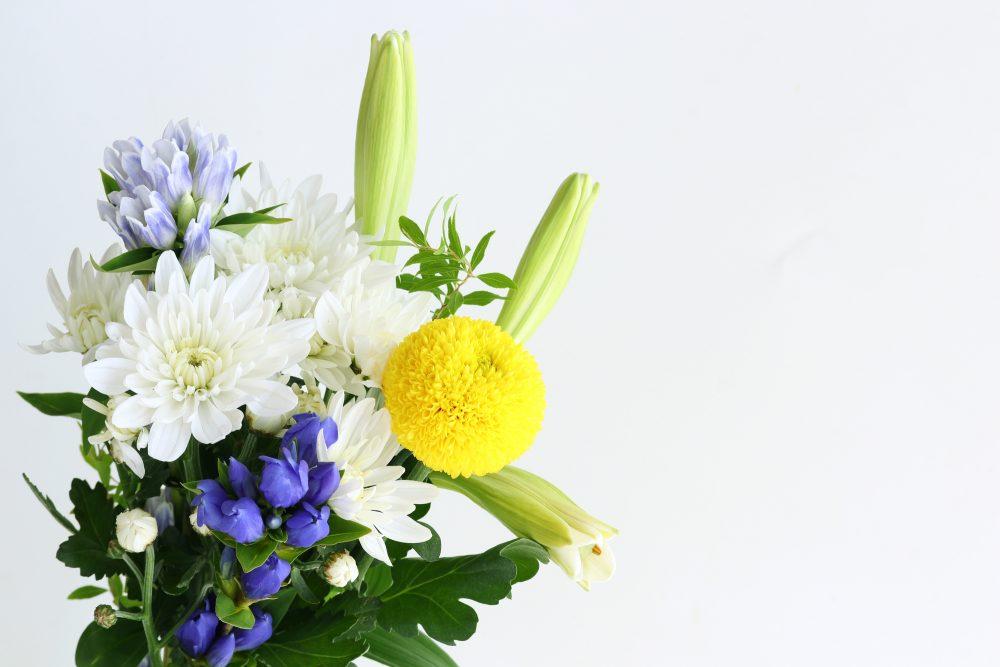 供花の価格相場(供花料・お花代の相場)