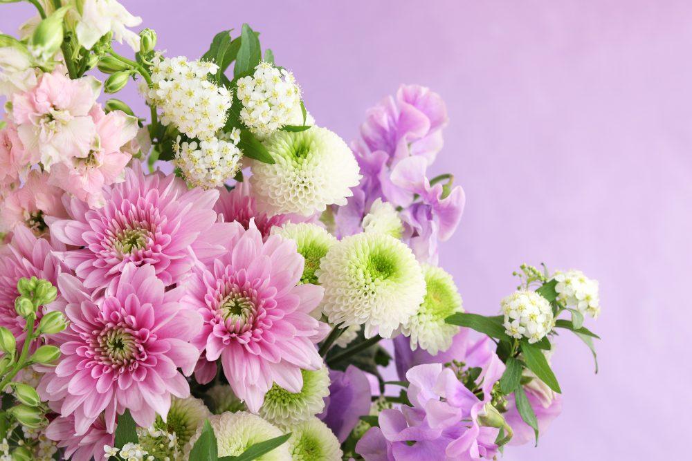 愛華セレモニーホールでは供花の手配を承ります。